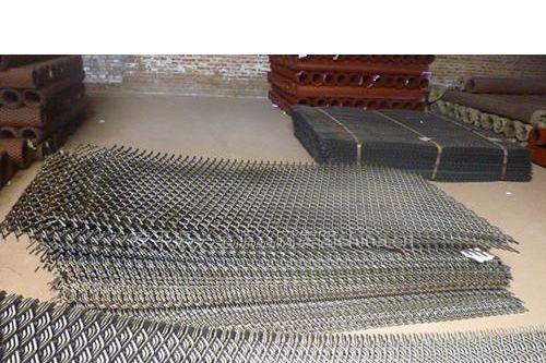 供应平台用钢板网1563351105