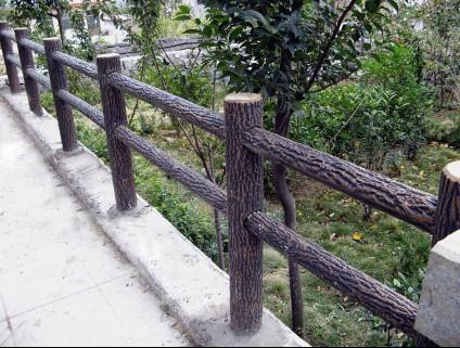 河南水泥仿树皮栏杆 水泥仿树皮护栏经销商