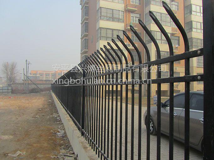 Q235方管铁栅栏、黑色锌钢栏杆网