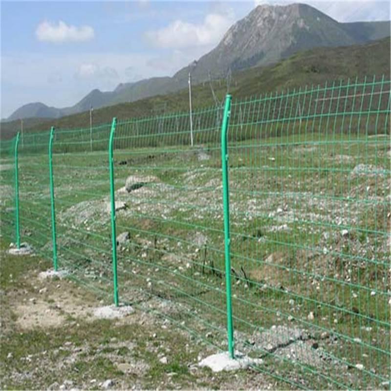 别墅小区防护栏 公园隔离栏 桃型柱防护网