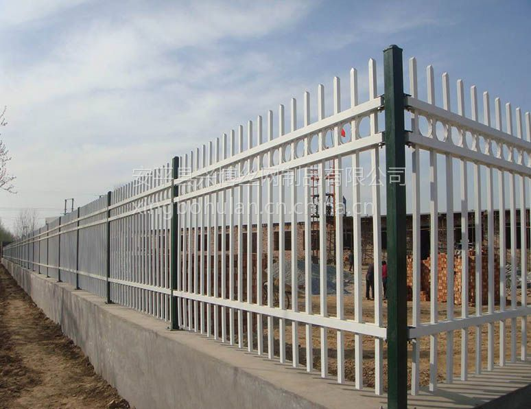 安平兴博供应围墙铁栅栏,Q235锌钢护栏网