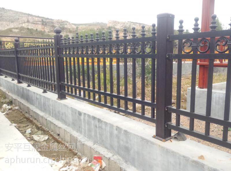 围墙锌钢栅栏@围墙锌钢护栏现货@围墙锌钢护栏规格