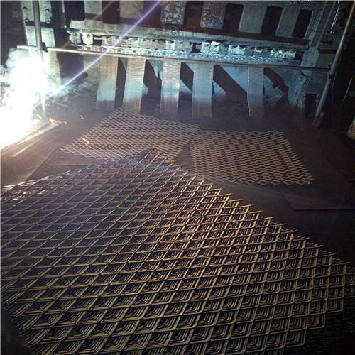 脚手架钢笆片厂家直销菱形钢笆片 踩踏网 防滑钢板网