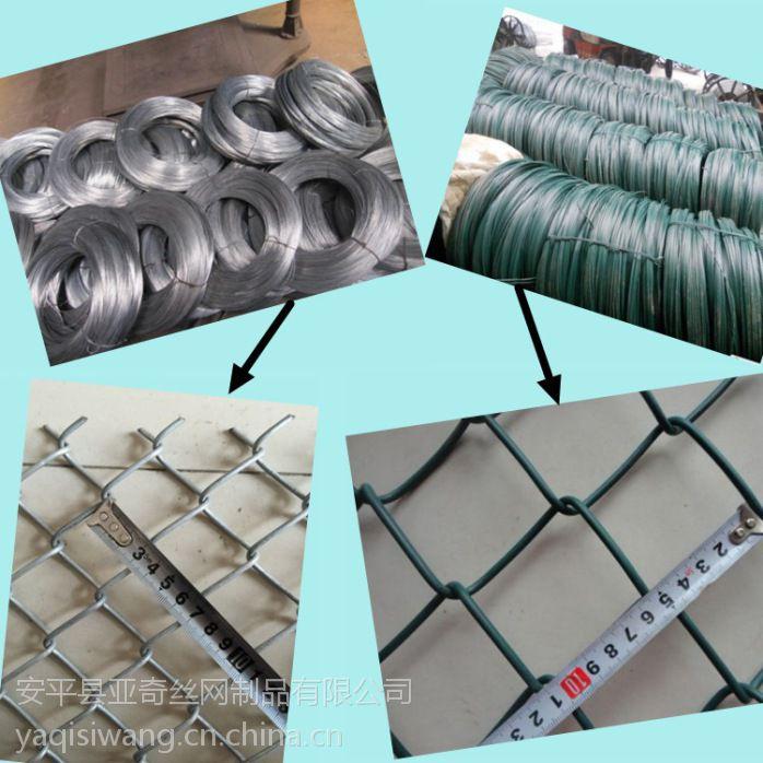 柔性防护勾花网实体加工厂家-成都护坡工程菱形铁丝网施工案例