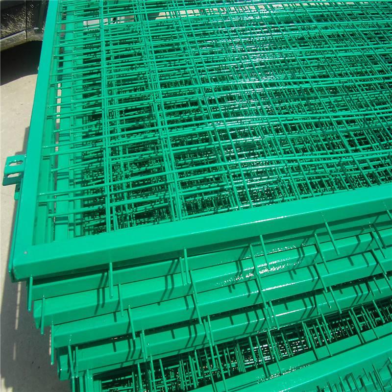 勾花护栏网厂家 铁丝护栏网厂 公路防护栏多少钱