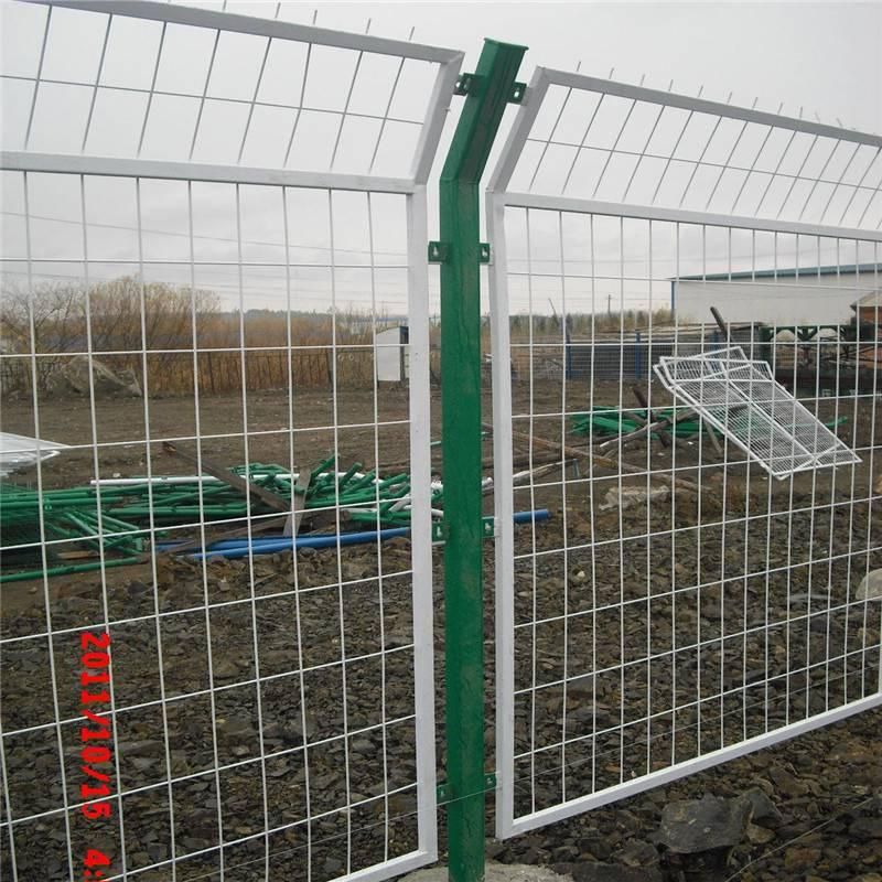 塑钢护栏 公路安全防护栏 金属护栏网厂