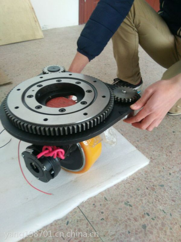 直流卧式驱动轮-舵轮 agv小车 意大利品牌MRT33 重载舵机液压堆高车