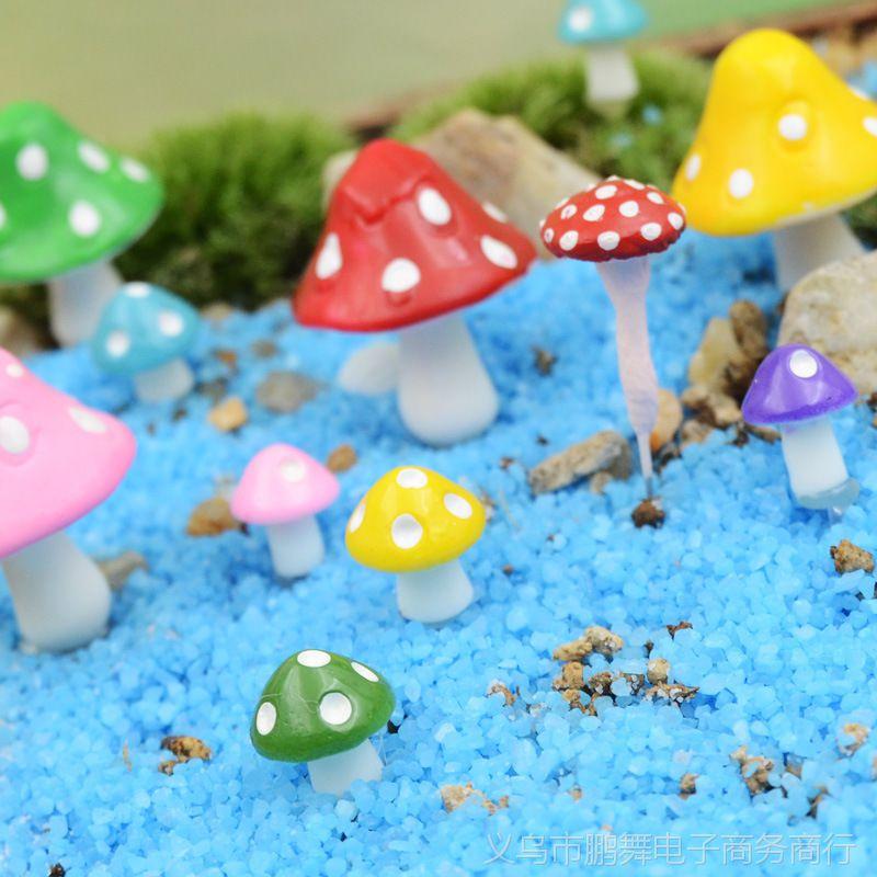 【A027卡通迷你安装苔藓小树脂蘑菇多肉DIY装饰漫漫漫画下载图片