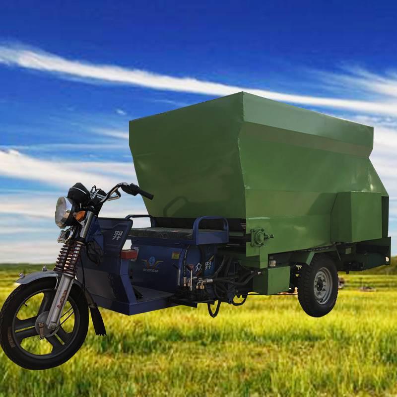 下料均衡撒料车 圈养牲畜撒料车 多功能大型养殖饲喂车