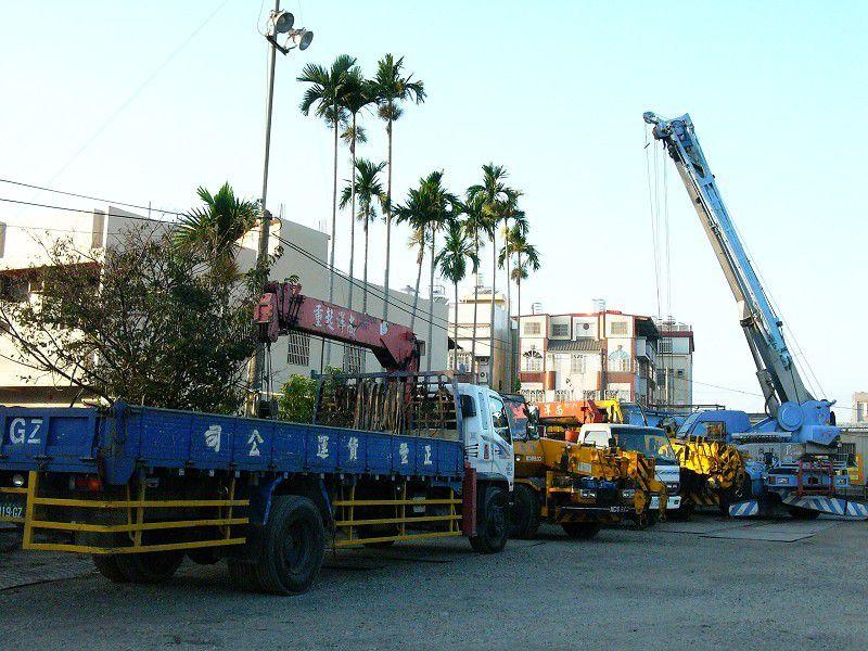 上海嘉定到重庆黔江13米17米大货车出租天天有车