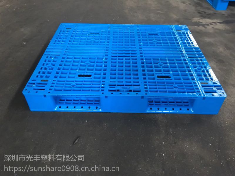 现货供应塑胶托盘出口用环保塑料卡板优质HDPE新科技胶卡板地台板