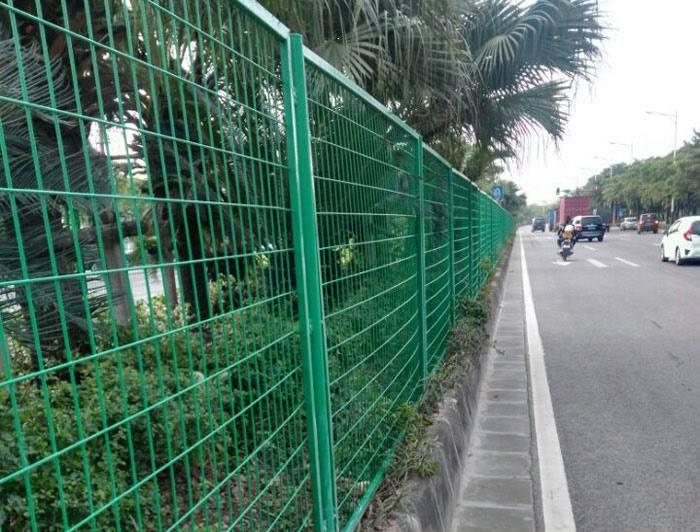 河源框架护栏网价格 惠州三角折弯绿化隔离网 边框护栏