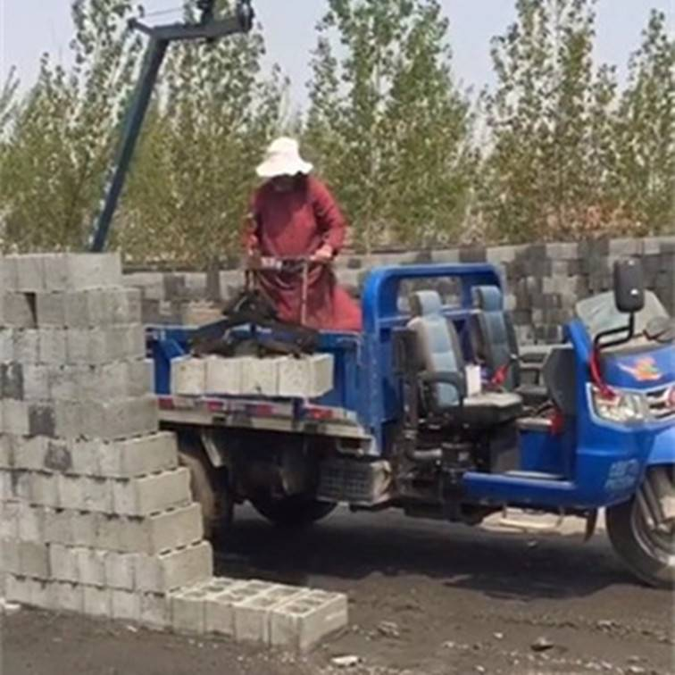 厂家生产水泥砖装车机码垛机