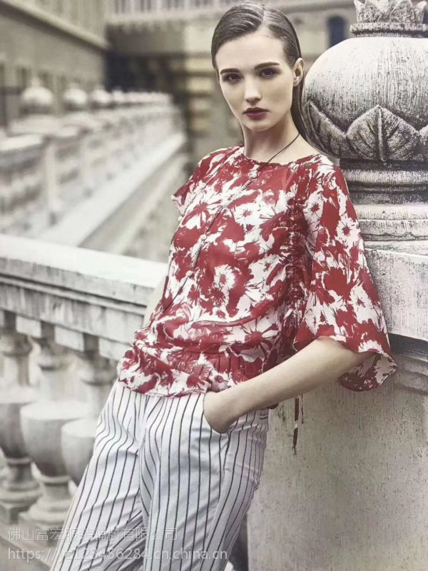 红袖女装加盟初次印象9元女装加盟店品牌女装招商网
