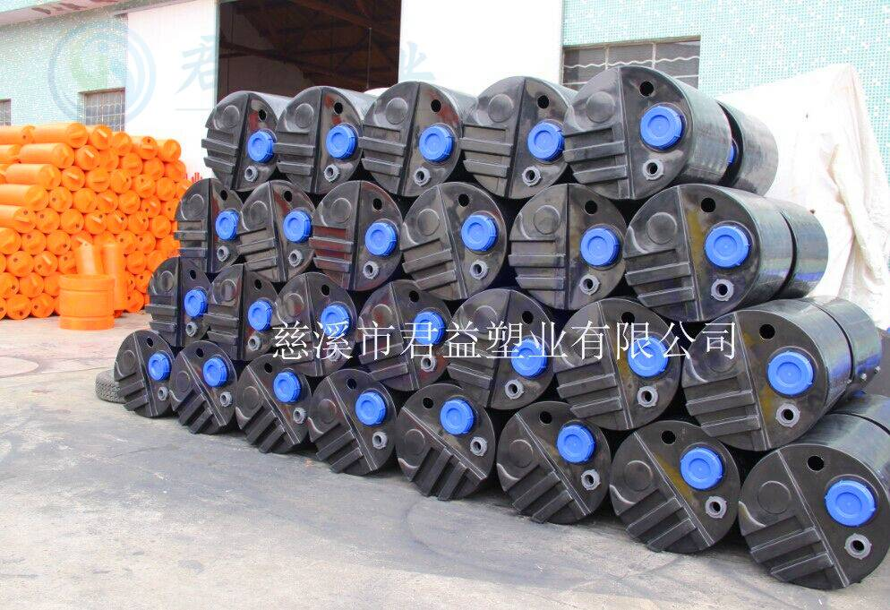 MC-200L加药桶尺寸:直径590mm高度910mm