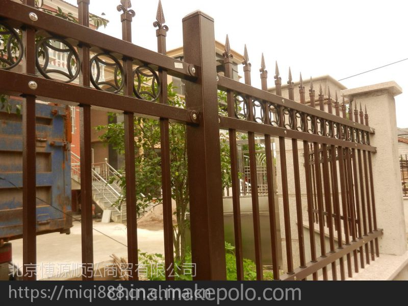 Q235平顶山豪华围墙栏杆,HC平顶山组装围墙护栏,市政交通隔离栏,锌钢草坪栅栏,京式围栏