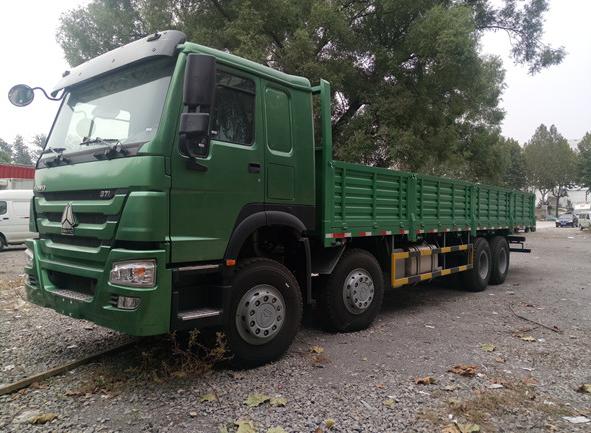 2017款豪沃载货车