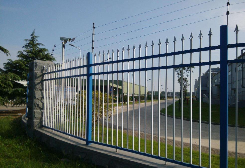 别墅围墙围栏 小区锌钢围墙网栏 郑州锌钢护栏经销商