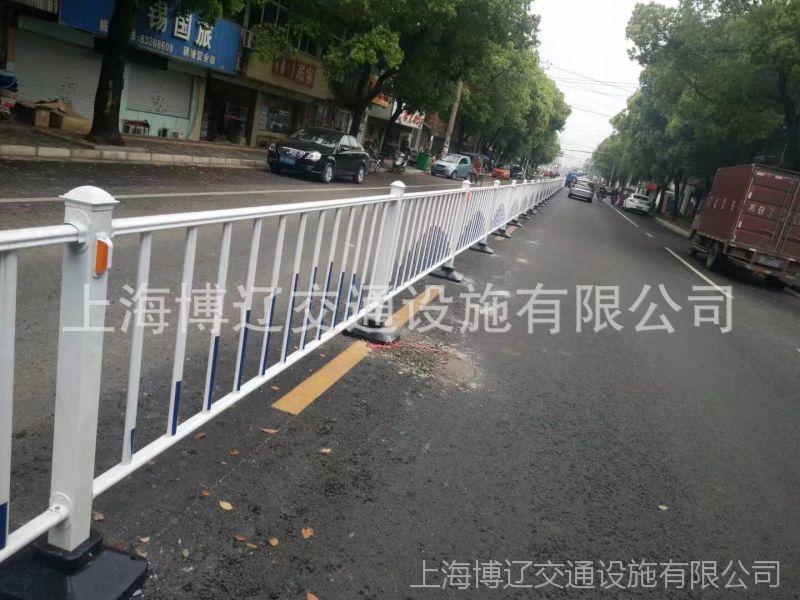 博辽 镀锌马路护栏 公路防道路 隔离栏生产商 镀锌护栏板厂家