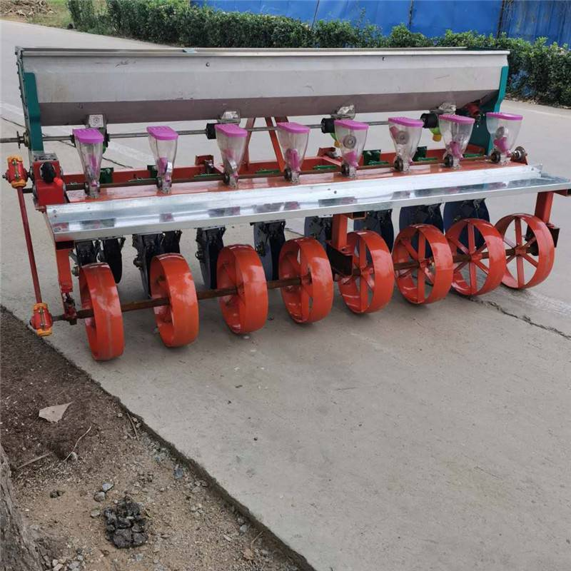 苜蓿籽播种机厂家 山西萝卜油菜精播机 拖拉机带胡萝卜精播机