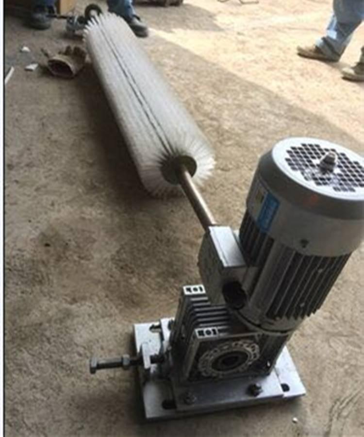 天德立XQ-I电动滚刷清扫器 水泥厂用清扫器 尼龙刷清除粘附物