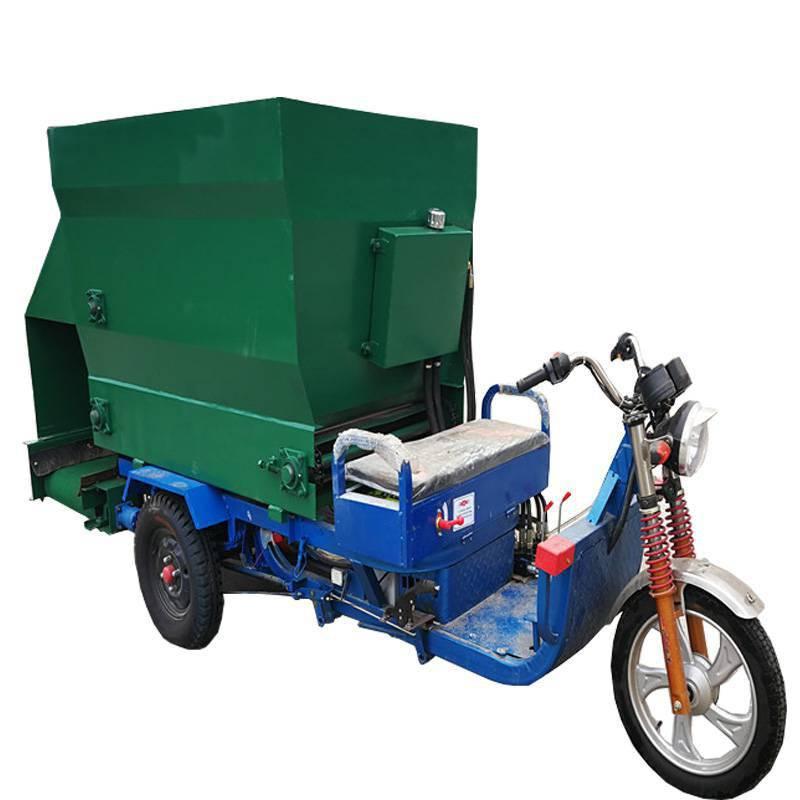 上万头牛可用撒料车 电动三轮车专用撒料车 润众