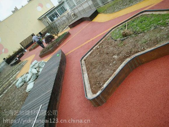 山西石楼县生态透水地坪,彩色透水地坪,透水混泥土施工注意事项