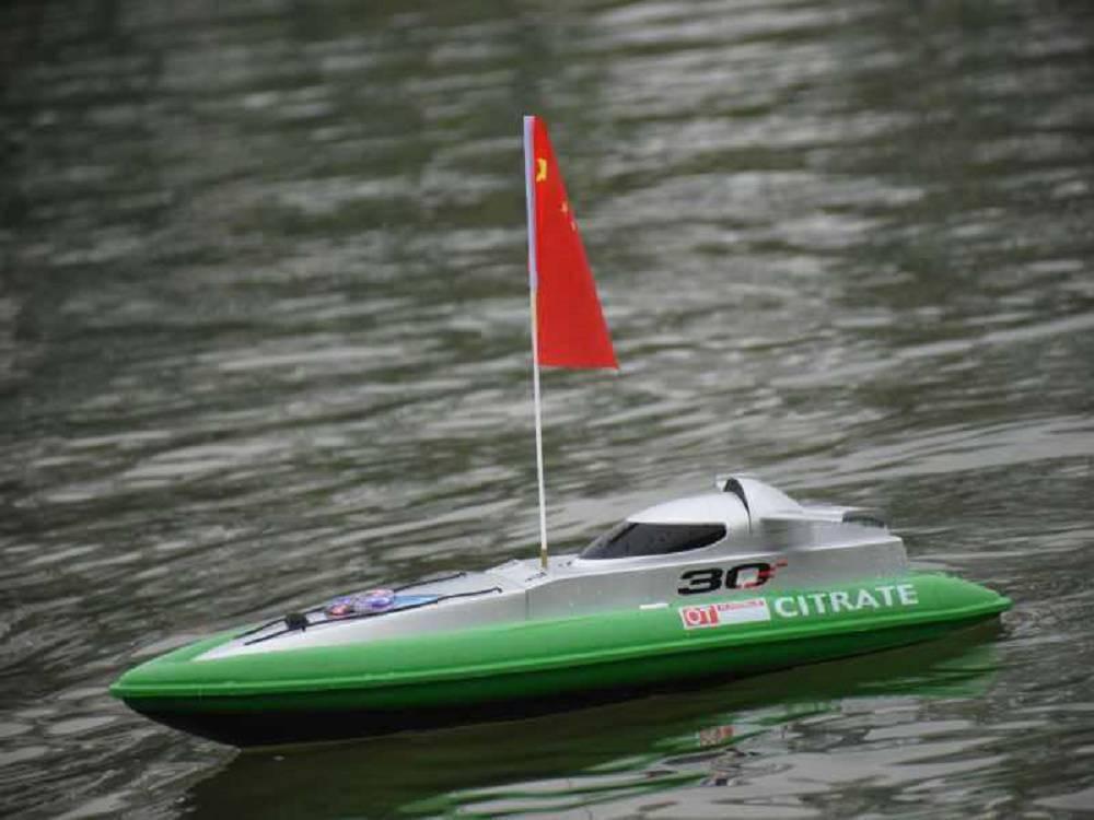 河南水上电动遥控船搭配大型充气水池专业使用
