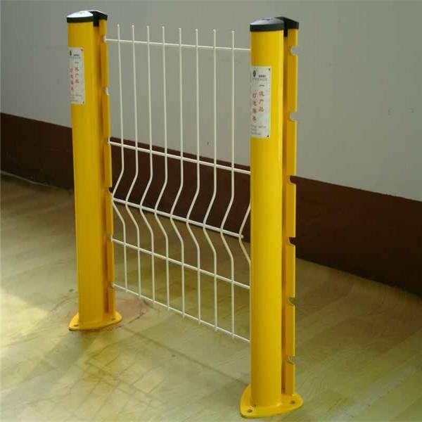 海南机场防护网价格 白沙桃形柱护栏网定做 儋州厂房隔离网热销