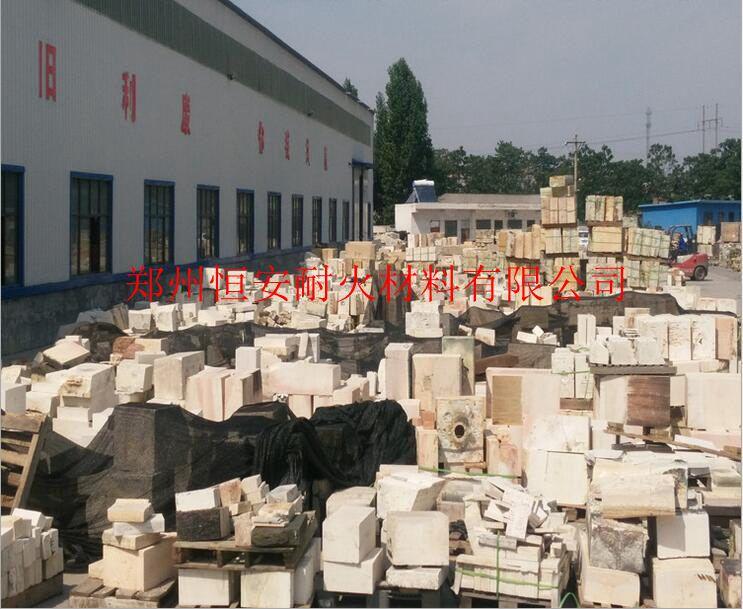 回收锆刚玉砖,常年回收电熔刚玉耐火砖郑州耐火材料厂家