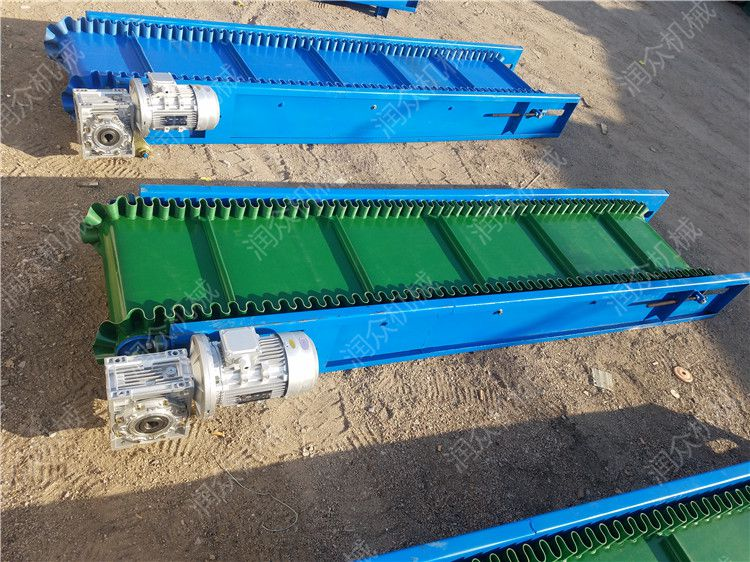 挡板式白色皮带输送机 矿山固定式输送机 耐高温刮板皮带机