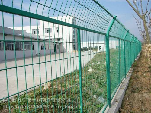 护栏网 公路护栏网 桃形柱护栏网 双边丝护栏网厂家直销