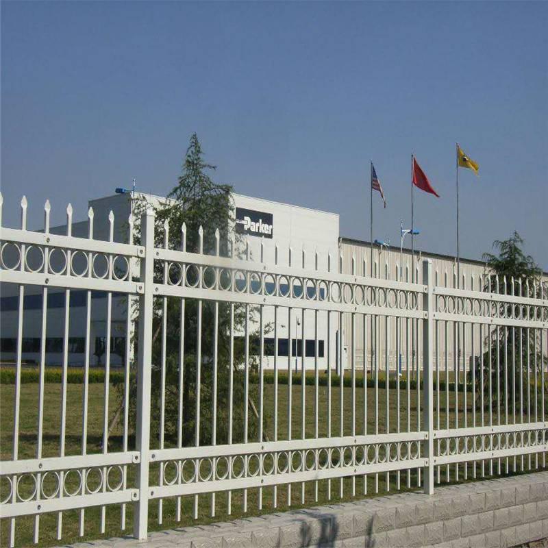 西青区草坪pvc围栏 草坪围栏特点 校园绿化带护栏