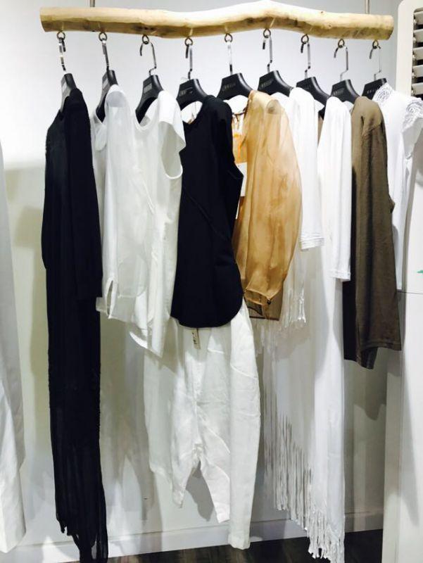 设计谷18春新款品牌女装 女装折扣批发 品牌女装批发