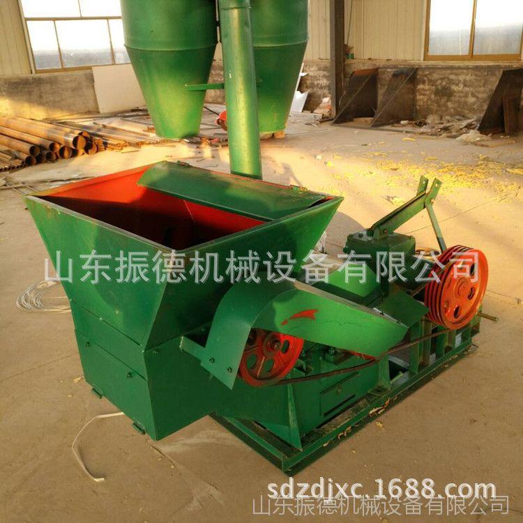 养殖用秸秆粉碎机 秸秆揉丝粉碎机 厂家供应大型玉米秸秆粉碎机
