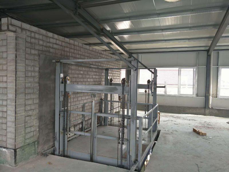 辽宁沈阳厂家定制4米3吨液压升降货梯 轨道链条式电动升降作业平台