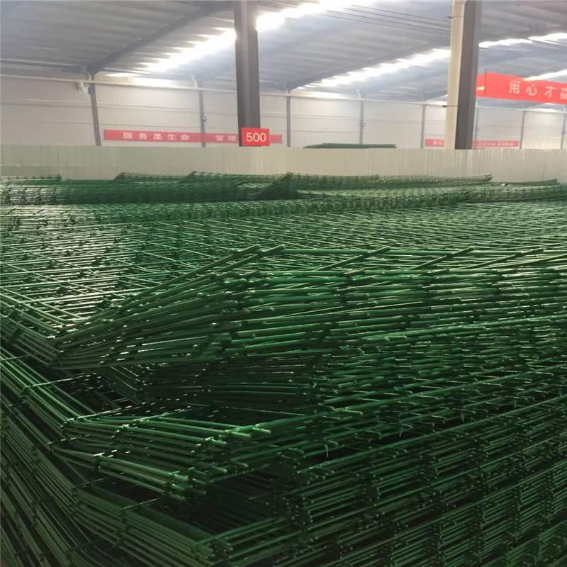 河北护栏网供应 绿色护栏网 球场隔离网