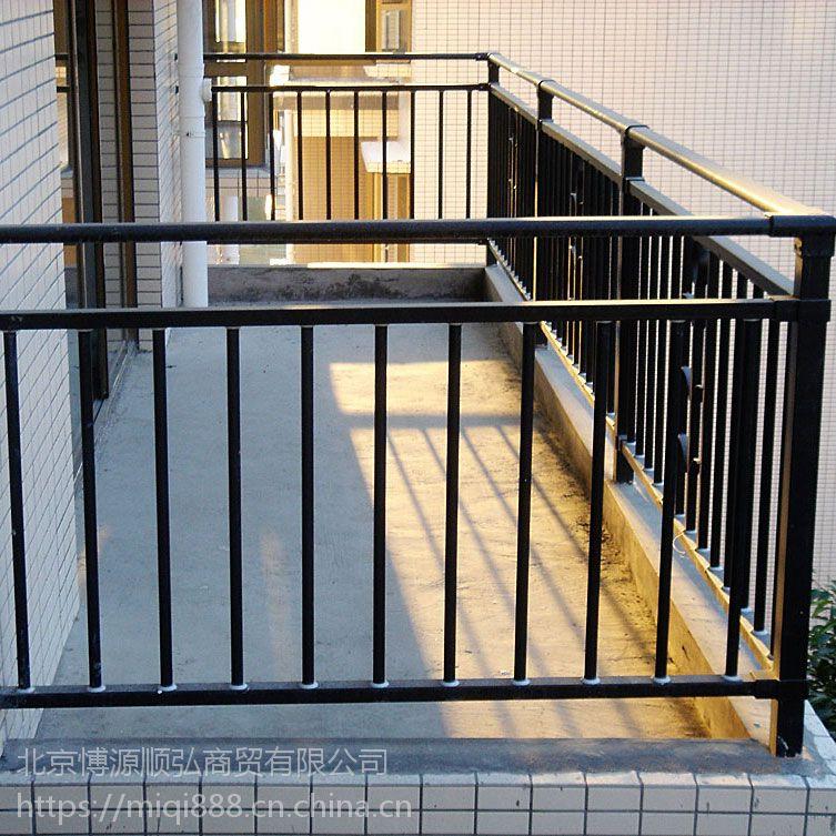 平顶山锌钢阳台栏杆,平顶山玻璃阳台护栏,HC仿木纹护窗围栏,Q235热镀锌飘窗护栏,