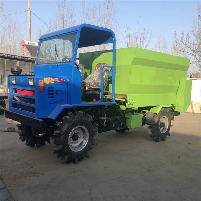 解放人工的牛撒料车 青贮草料运输车 自动化喂料车定做