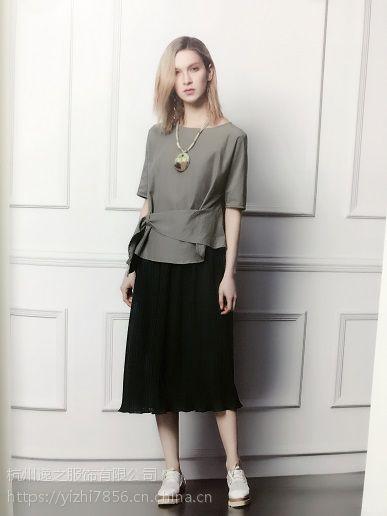 多种风格低价品牌服装批发圣格瑞拉多种款式品牌折扣女装中国十大高端女装