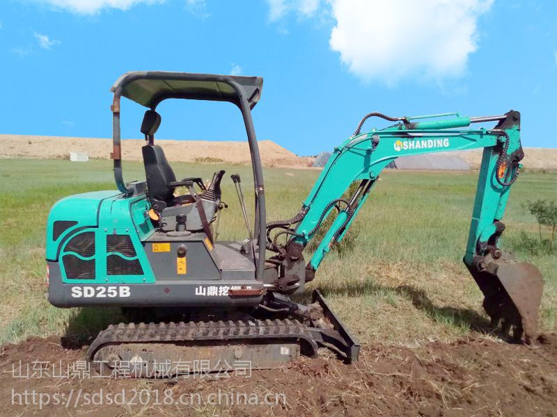 山鼎履带式小型挖掘机 新疆装棉花用的小型挖掘机价格图片