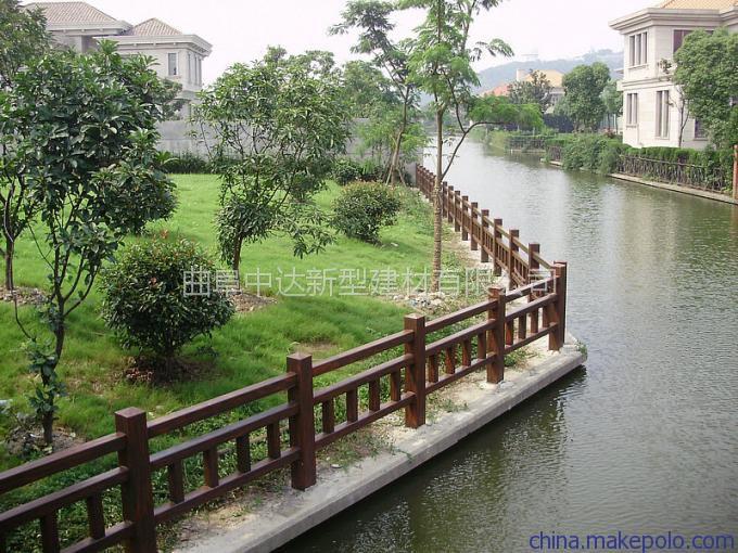 兖州专业生产钢筋混凝土仿木/仿石系列护栏,花桶、花箱、坐凳、凉亭、河堤护栏