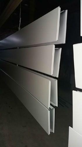 江苏常州市S型条扣板 加油站吊顶专用防风铝条扣天花