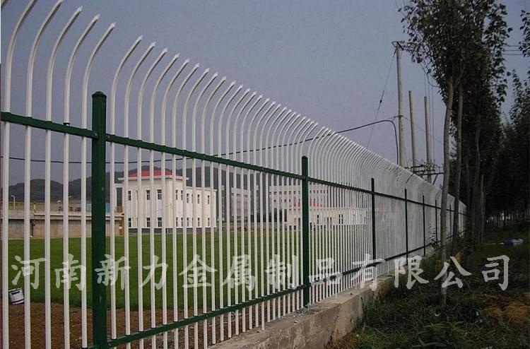 热销小区庭院围墙铁艺锌钢护栏 热镀锌钢管栏杆 河南新力