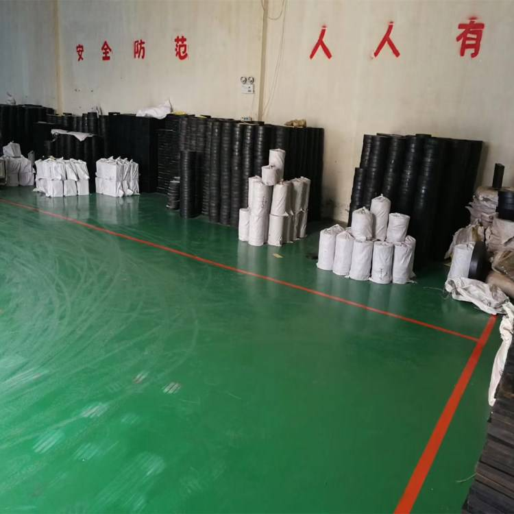 500/76圆形板式橡胶支座 陆韵橡塑 竭力为客户服务