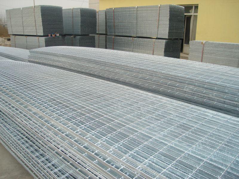 机器压焊钢格板_焊接点就是牢固