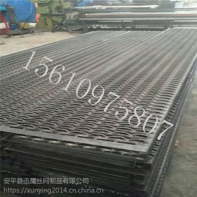 钢板冲孔板 鳄鱼嘴防滑板生产 武汉市优质金属圆孔板