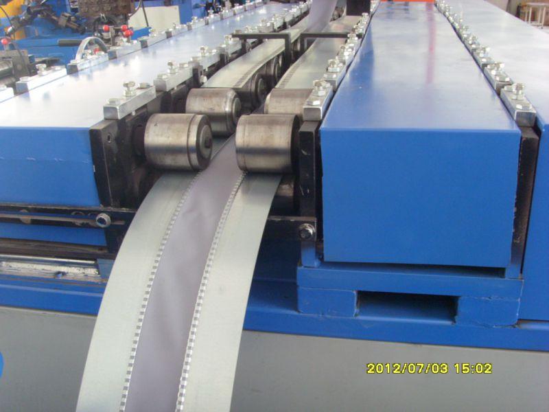 风管软连结成型机,镀锌板和布的宽度均可根据用户需求调节