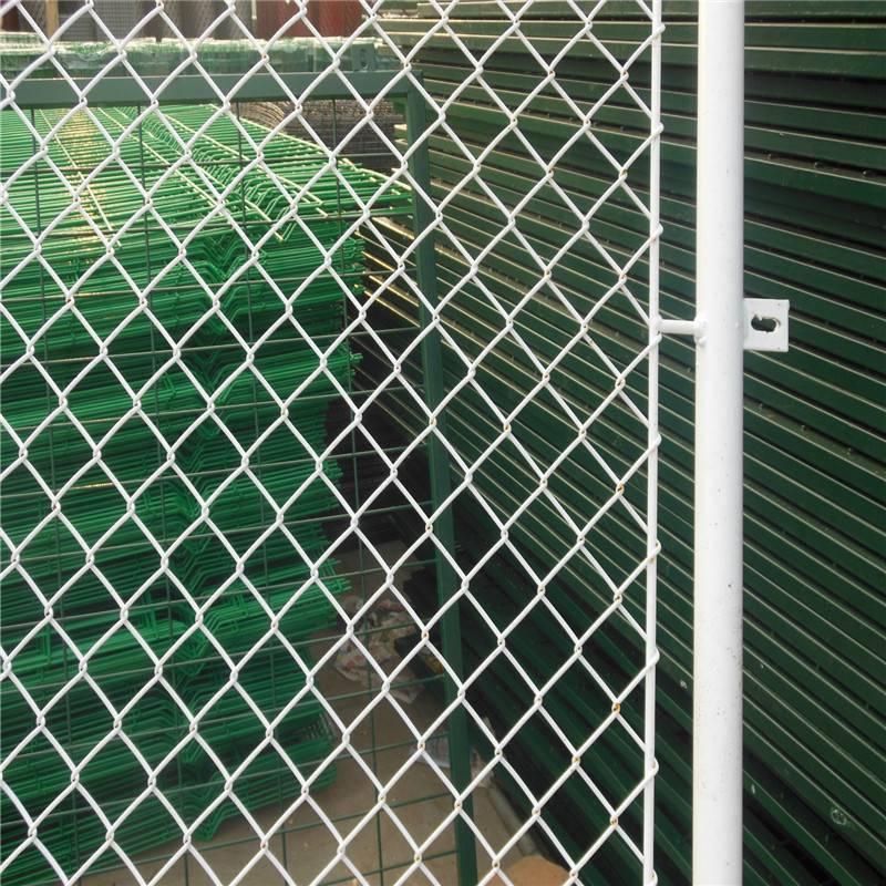 围墙防护网 钢丝围墙网多少钱 小区防护网哪里有