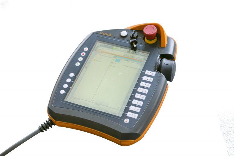KUKA smartPAD示教器